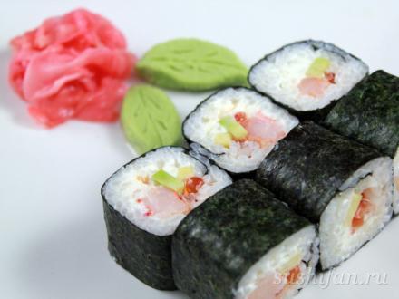 Ролл с икрой лосося и креветками | суши, роллы, сашими