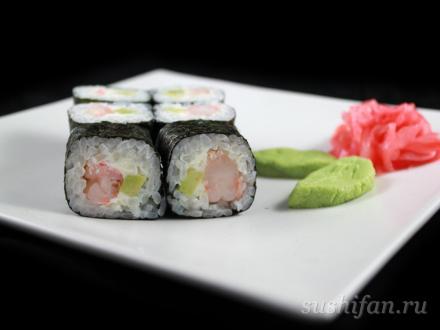 Маленький ролл с креветками и авокадо | суши, роллы, сашими