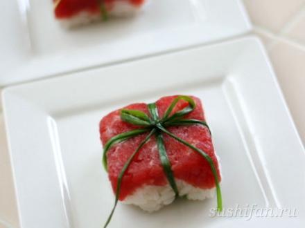 Маленький суши-подарок на 8 марта | суши, роллы, сашими