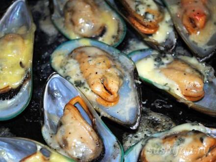 Запеченные мидии с сыром | суши, роллы, сашими