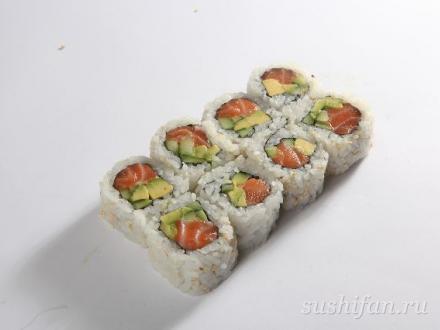Урамаки с лососем и авокадо | суши, роллы, сашими