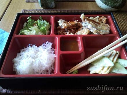 бенто ланч в васабико | суши, роллы, сашими